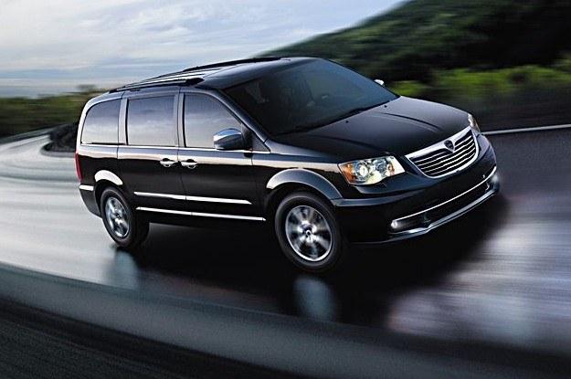 Voyager nie jest niczym nowym - Lancia oferowała już w swojej historii  vany o nazwie zeta i phedra /