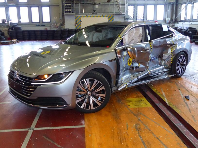 VW Arteon to jeden z najbezpieczniejszych samochodów na rynku /