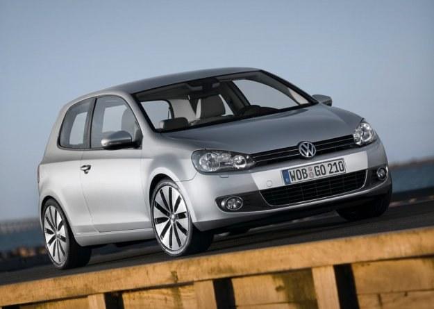 VW golf cieszy się niezmiennym powodzeniem /