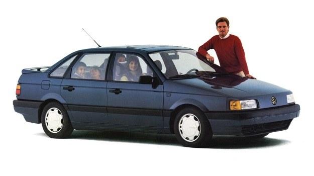 VW Passat w swej najnowszej wersji to przykład nie tylko spektakularnych zmian formy zewnętrznej, ale także licznych udoskonaleń pod nadwoziem, drobnych acz przyczyniających się do istotnego wzrostu komfortu czy bezpieczeństwa. /Volkswagen