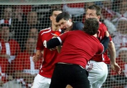 W 2007 roku duński chuligan zaatakował sędziego Herberta Fangela /AFP
