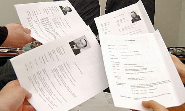 W 2009 roku ludzie w panice wysyłali swoje CV na wszystkie oferty /fot. Wojtek Kamiński /Reporter
