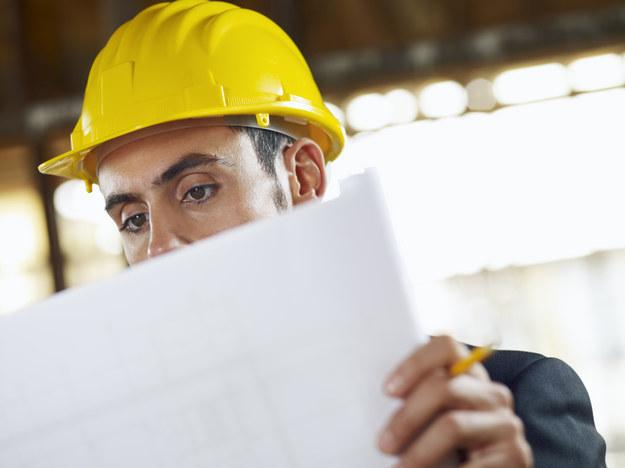 W 2012 roku wynagrodzenia osób posiadających dyplom magistra inżyniera kształtowały się na poziomie 5400 zł brutto /© Panthermedia