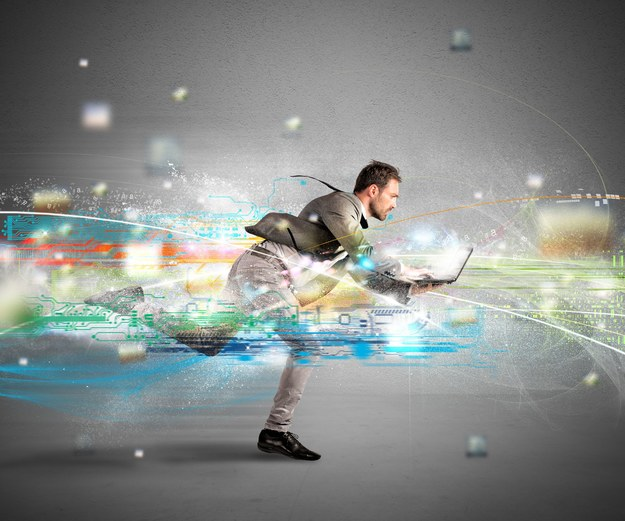 W 2020 roku każdy Polak będzie miał dostęp do szerokopasmowego internetu /123RF/PICSEL
