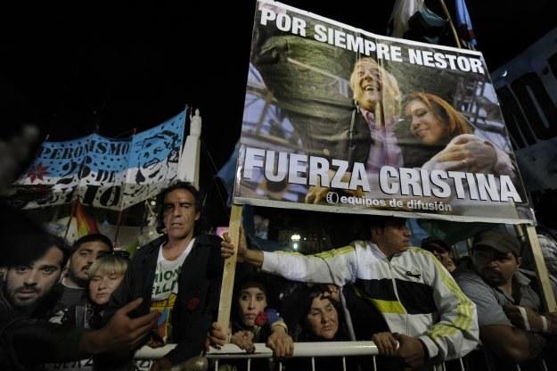 W Argentynie żałoba po śmierci byłego prezydenta Nestora Kirchnera. /AFP