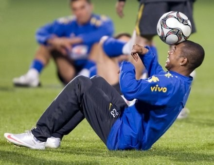 W Barcelonie nie potrzebują sztuczek Robinho /AFP