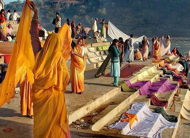 W barwnej kulturze Indii zdarzają się rzeczy, które trudno nam zrozumieć /AFP