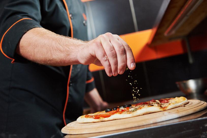 W Bergamo bez problemu znajdziesz dobrą pizzerię /©123RF/PICSEL