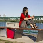 W Bostonie powstaną ławki, które naładują ci telefon