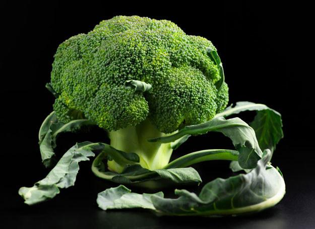 W brokułach znajduje się antynowotworowa substancja, tzw. sulforafan /©123RF/PICSEL