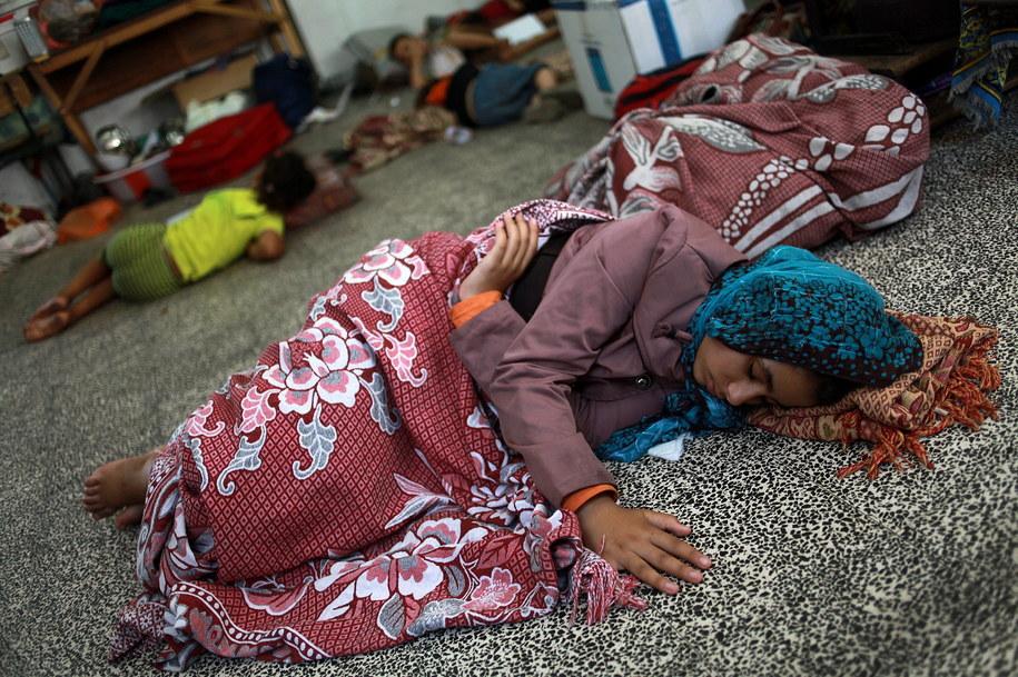 W budynku szkoły w Dżabalii schroniło się ponad 3 tysiące ludzi /MOHAMMED SABER  /PAP/EPA