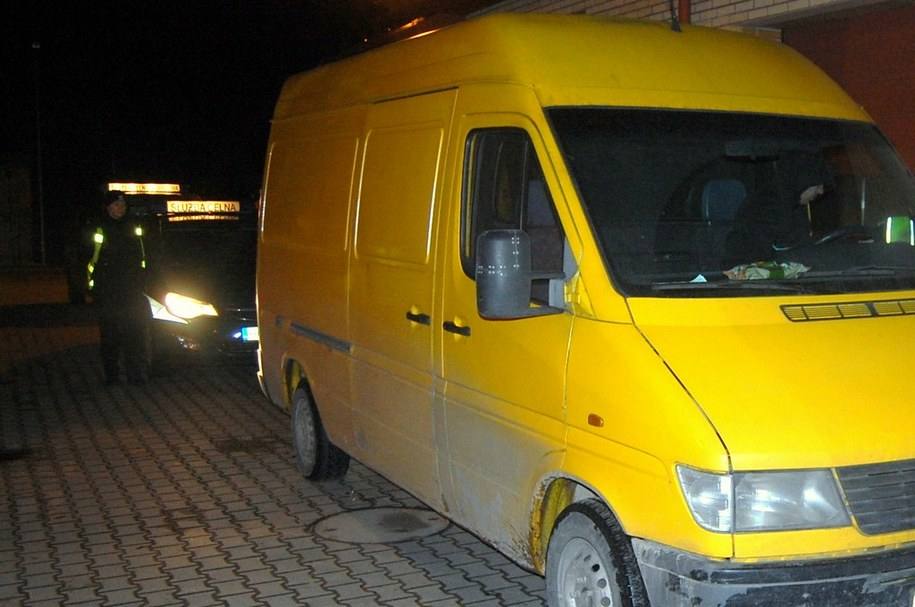 W busie przewożono 12 nielegalnych migrantów /Straż Graniczna /