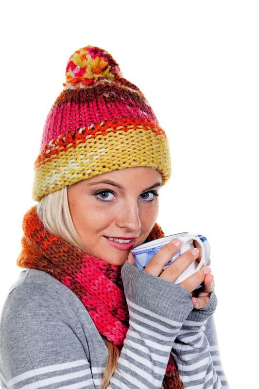 W chłodne dni najlepiej pić herbaty ziołowe  /© Panthermedia