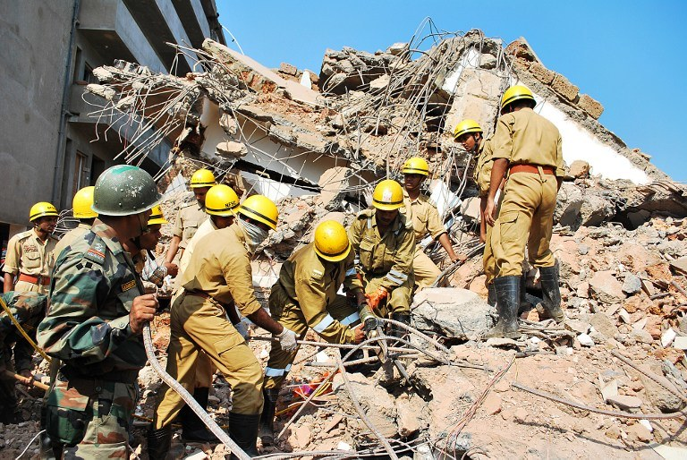 W chwili katastrofy na budowie było około 50 osób /AFP