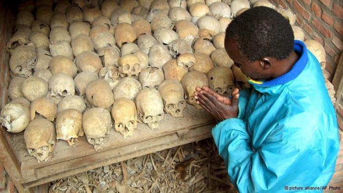 W ciągu kilku miesięcy  zamordowanych zostało blisko milion osób /Deutsche Welle