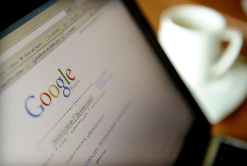 """W ciągu miesiąca Google otrzymał 70 tys. wniosków od europejskich użytkowników chcących usunięcia pewnych wyników wyszukiwania w ramach """"prawa do bycia zapomnianym"""". /AFP"""