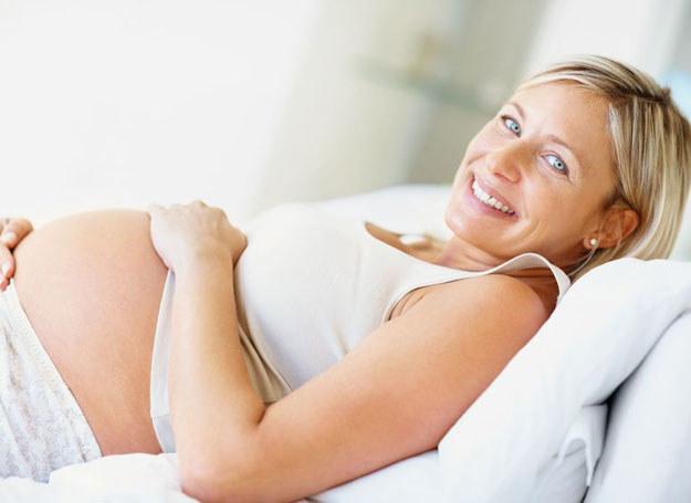 W czasach poród w szpitalu wcale nie jest w opozycji do rodzicielstwa bliskości. /©123RF/PICSEL