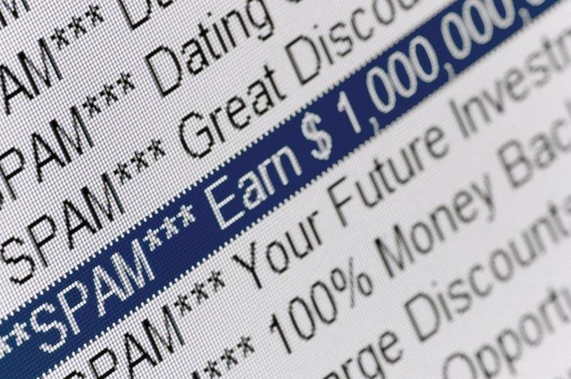 W czerwcu odsetek spamu w ruchu e-mail wynosił średnio 64,8 proc. /123RF/PICSEL