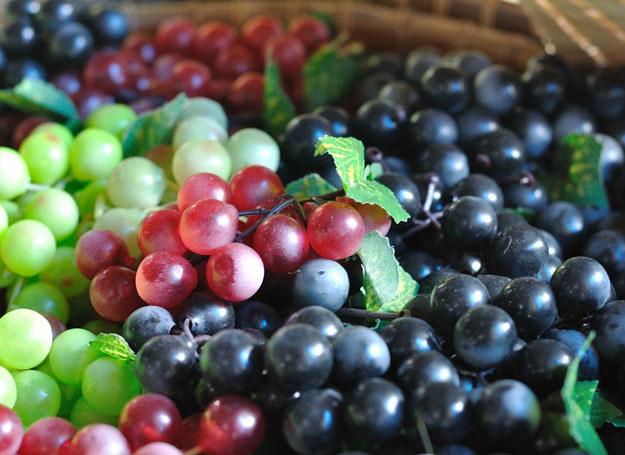 W diecie osób dbających o wzrok powinny znaleźć się też winogrona /©123RF/PICSEL