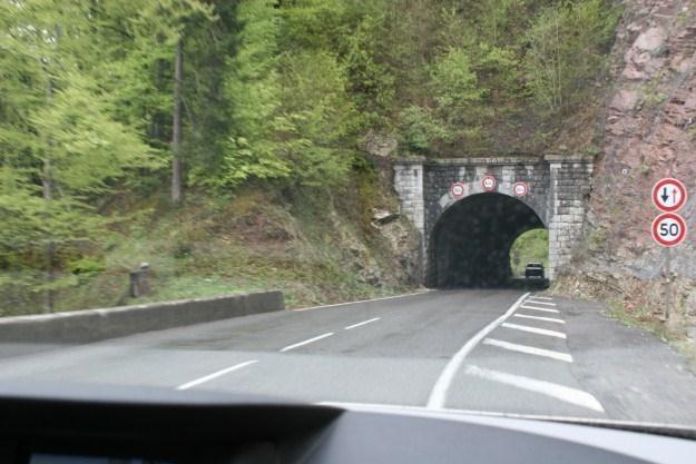 W Europie tunele w terenach górskich są powszechnie spotykane /INTERIA.PL