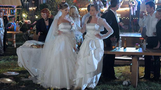 """W filmie """"Śliwowica"""" wrócimy do podwójnego wesela w """"Pierwszej miłości"""" /materiały prasowe"""