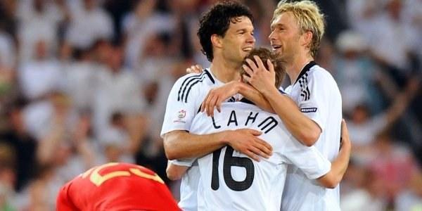 W futbolu liczą się gole, dlatego po meczu cieszyli się Niemcy. /AFP