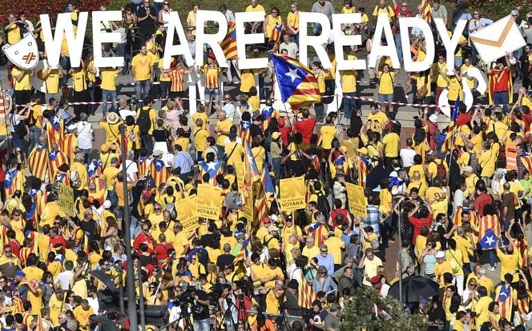 W głosowaniu wzięło udział ponad 2 mln Katalończyków /AFP