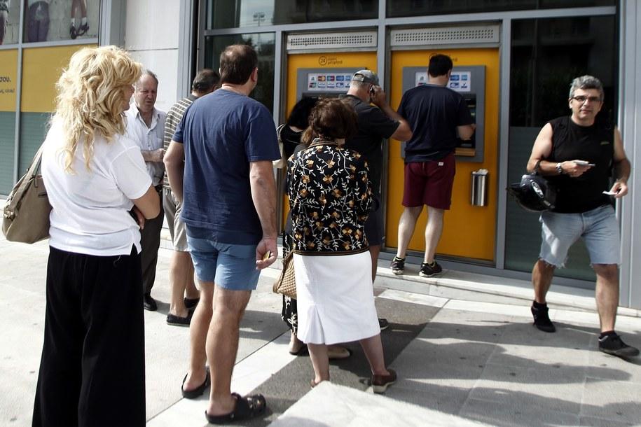 W Grecji rozpoczął się szturm na banki /ALEXANDROS VLACHOS /PAP/EPA