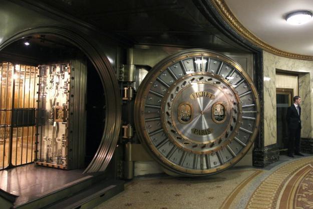 W internecie prężnie działa czarny rynek kradzionych danych bankowych /AFP