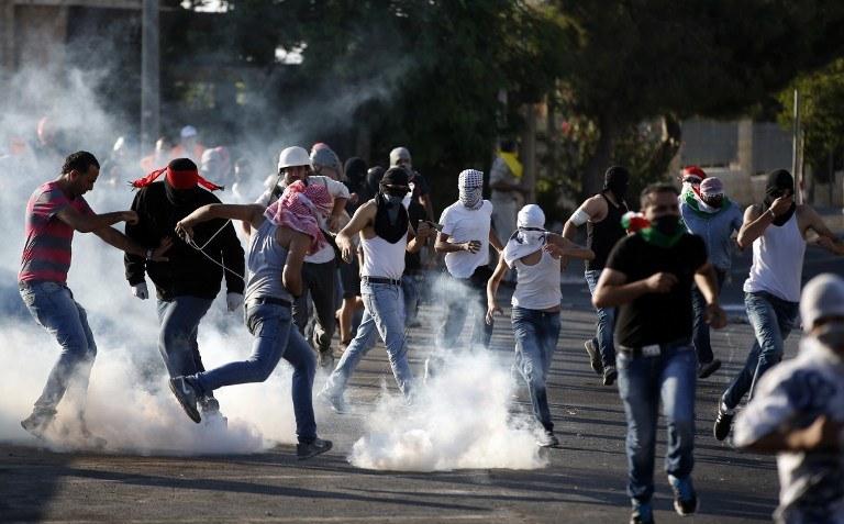 W Jerozolimie Wschodniej doszło w piątek późnym wieczorem do kolejnych starć /AFP