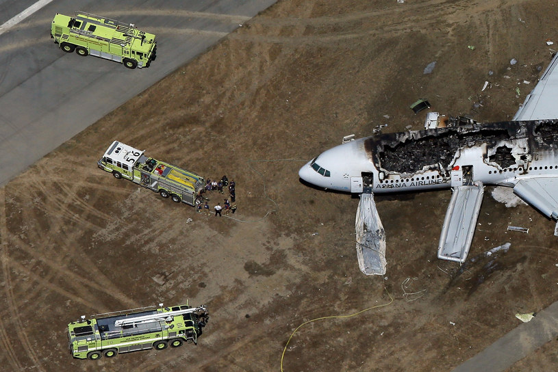 W katastrofie zginęły dwie osoby /AFP