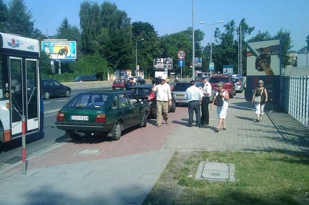 W Krakowie policja pilnowała buspasów w towarzystwie telewizji /INTERIA.PL