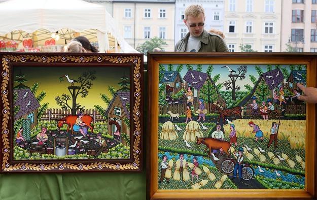 W Krakowie rozpoczęły się 6. Międzynarodowe Targi Sztuki Ludowej /fot. Stanisław Rozpędzik /PAP