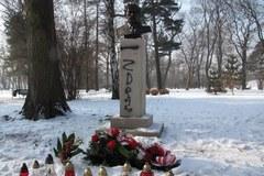 W Krakowie znów zdewastowano pomnik pułkownika Kuklińskiego