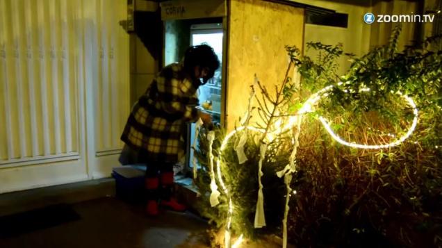 W lodówce można zostawiać artykuły potrzebne bezdomnym /zoomintv.uk /