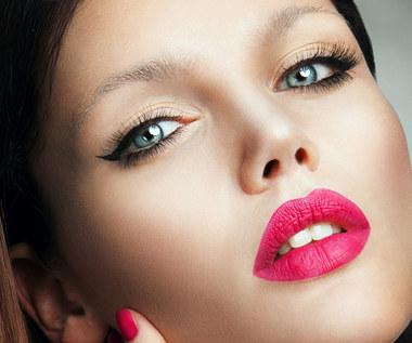 W makijażu Patricia Kazadi stosuje wszystkie chwyty...