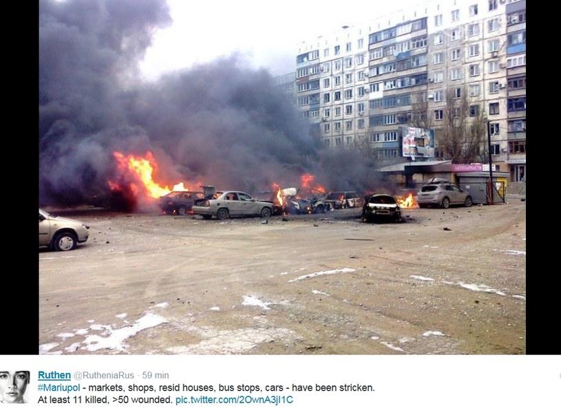 W Mariupolu pociski spadły na osiedla mieszkalne /Twitter