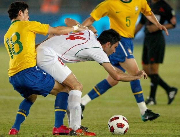 W meczu Brazylii z Iranem toczyła się walka na całego /AFP