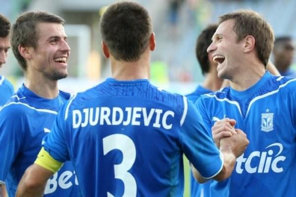 W meczu kolejki Lech rozbił Koronę 5:0. Od lewej: Bandrowski, Djurdjević, Injać. Fot. Ł. Grochala. /INTERIA.PL