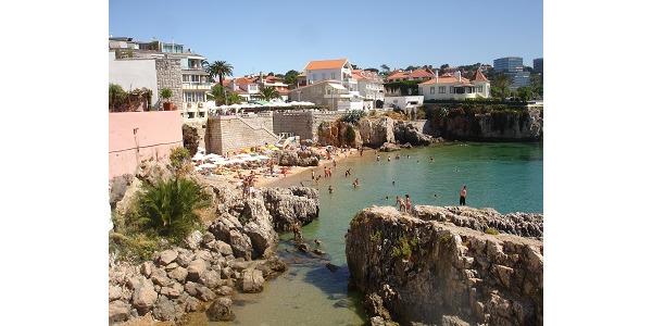 Male zatoczki, plaze, skali w samym miescie.