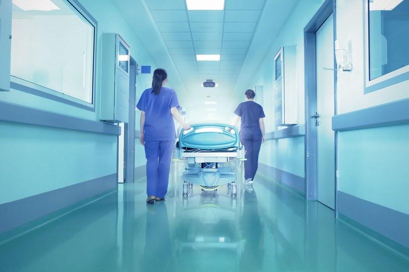 W niektórych szpitalach funkcjonuje już system selekcji pacjentów /123RF/PICSEL