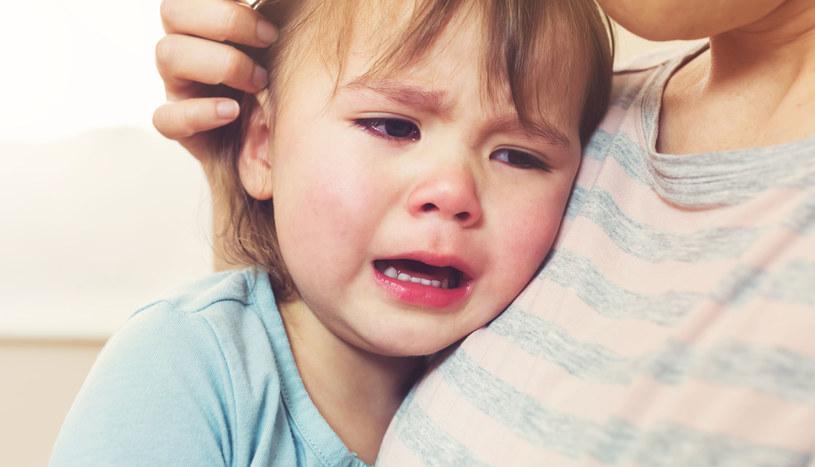 W obecności małego dziecka lepiej powstrzymać swój gniew /©123RF/PICSEL