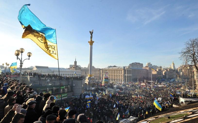 """W ocenie """"Kommiersant-Ukraina"""" zakaz wjazdu dla obywateli USA oraz państw Unii Europejskiej oznacza, że Ukraina zdecydowała się na zaostrzenie stosunków z Zachodem. /AFP"""
