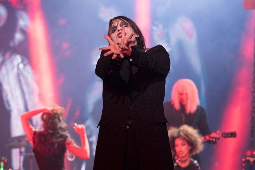"""W ostatnim odcinku programu """"Twoja twarz brzmi znajomo"""" Adam Fidusiewicz wcielił się w Marylina Mansona /Polsat"""