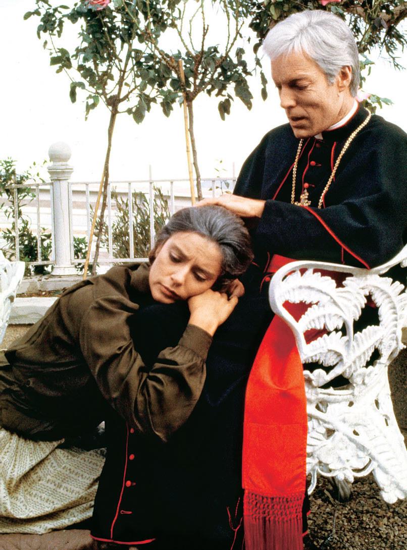 W ostatnim odcinku zobaczymy Meggie (Rachel Ward), ojca Ralpha (Richard Chamberlain) i ich syna Dana (Philip Anglim) /AKPA