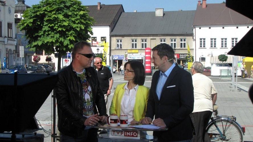 W Oświęcimiu Małgorzata Steckiewicz i Michał Adamczyk zaprosili do satelitarnego studia wielu gości - był wśród nich Darek Maciborek, dziennikarz RMF FM i dyrektor artystyczny Life Festival Oświęcim, który trwał wtedy w mieście /RMF FM