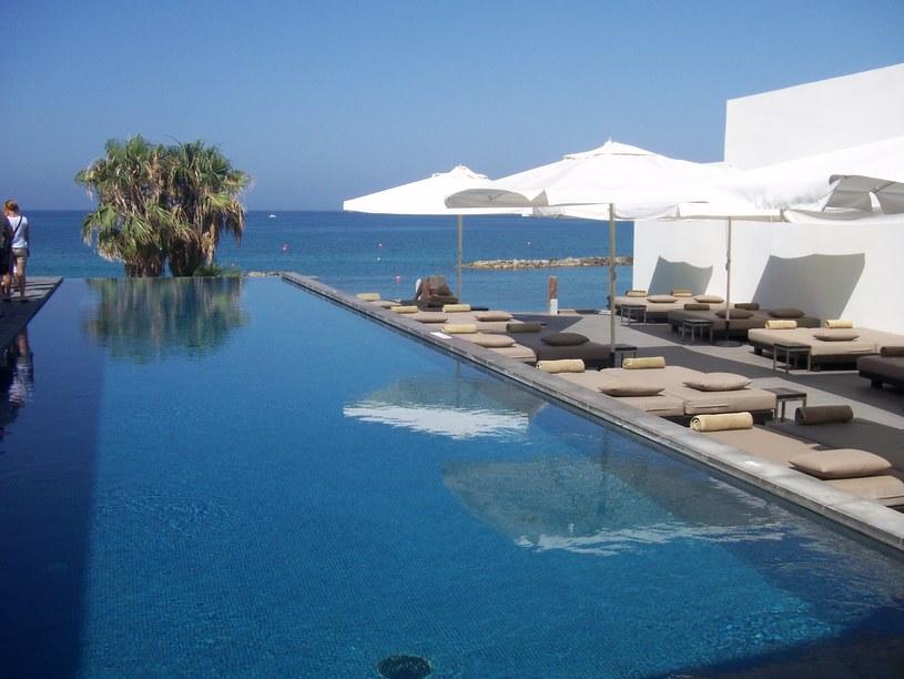 W Pafos nie brakuje luksusowych hoteli - na zdj. hotel Almyra  /Ewa Gajewska /Styl.pl