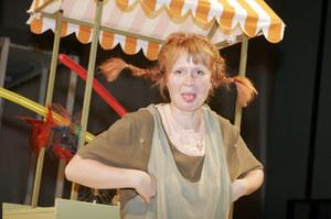 """W """"Pippi Pończoszance"""" Dominika Kluźniak pierwszy raz zagrała główną rolę w teatrze /  /AKPA"""