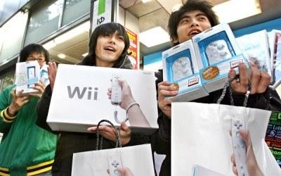 W podobny sposób reagowali gracze przy zakupie konsoli Wii /AFP