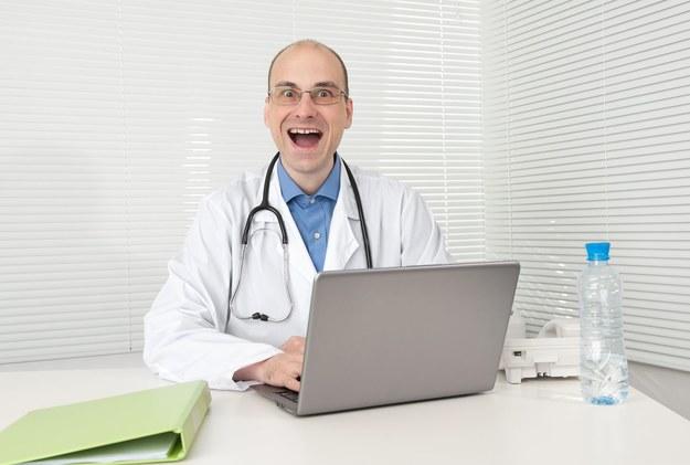 W Polsce brakuje lekarzy /123RF/PICSEL